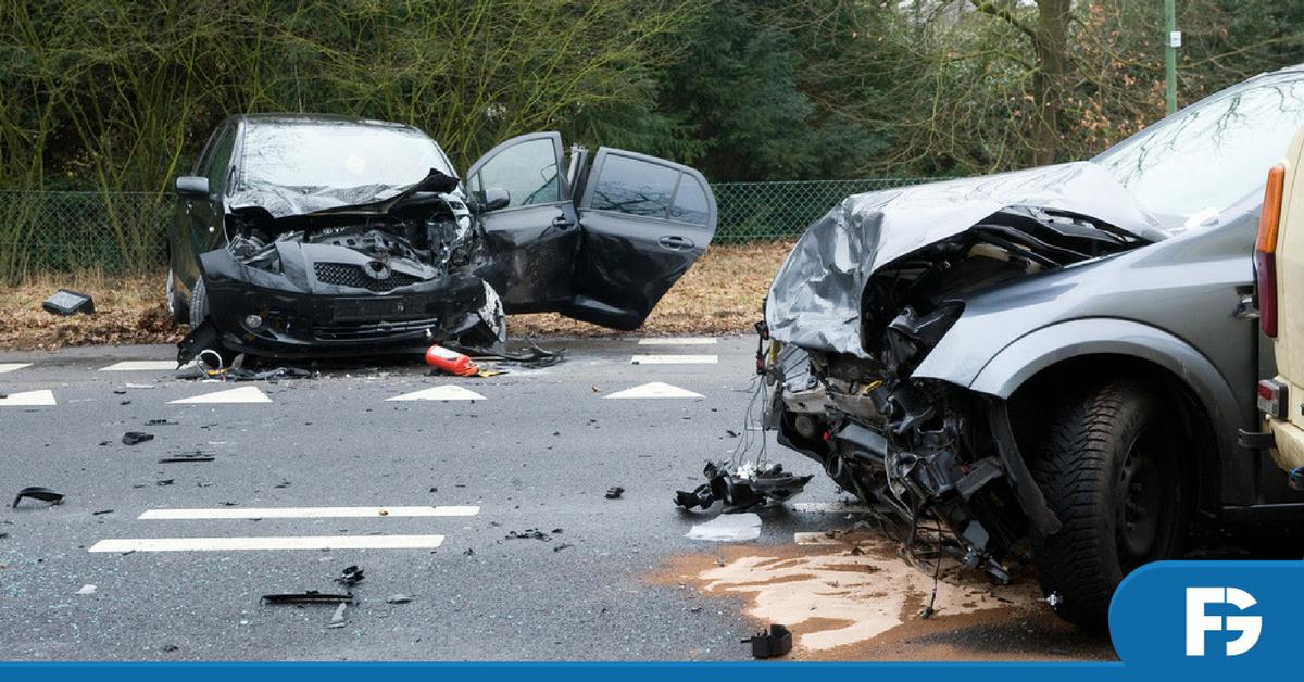 acidente-de-transito-medico-emergencia